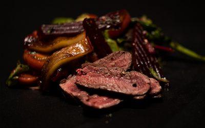 Rote Beete Salat mit Straußenfilet