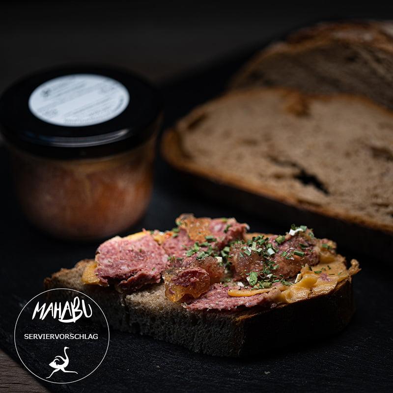MAHABU Strauß gekochtes Mett auf Brot